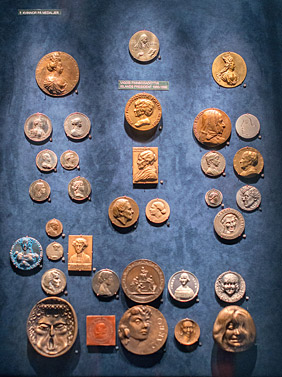 Coins exhibited at the coin cabinet